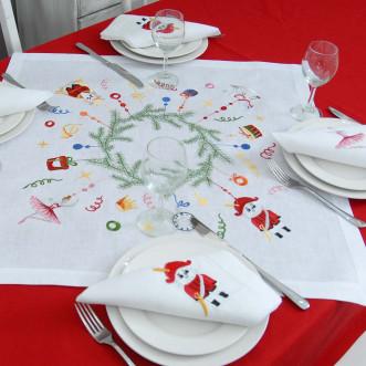 Набор столовый Щелкунчик: центральная салфетка 65*65см и 2+2 салфетки 40*40см (белый лён)