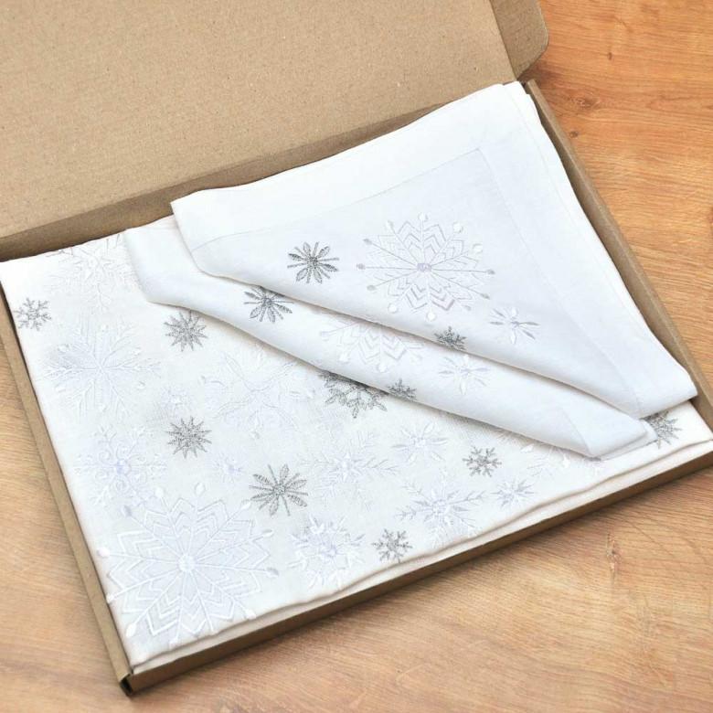Набір столовий Сніжинки: доріжка 140*40см та 4 серветки 40*40см (білий льон)