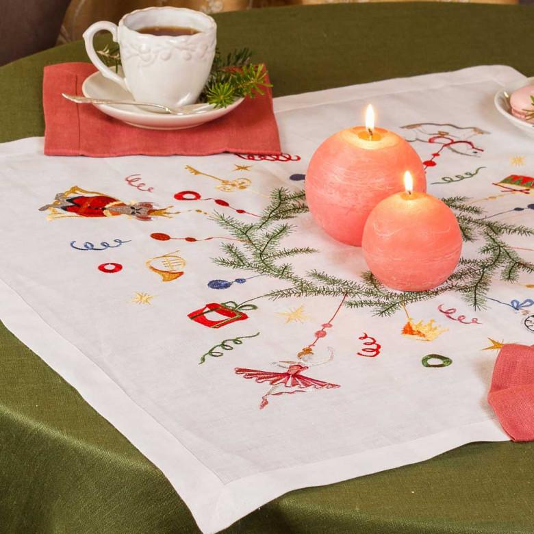 Набір столовий Лускунчик: центральна серветка 65*65см та 2+2 серветки 40*40см (білий льон)