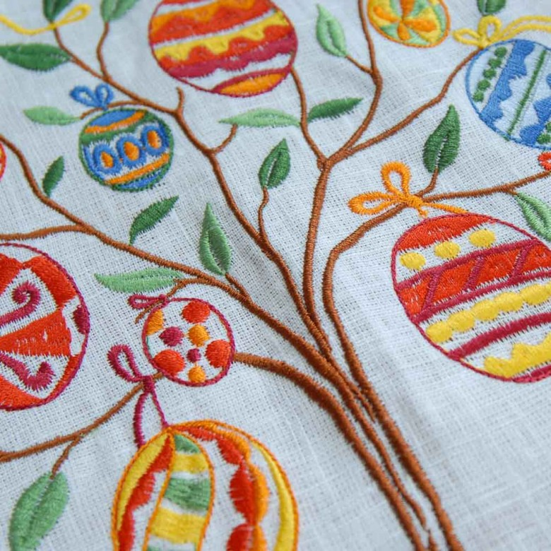 Льняная скатерть Пасхальное дерево 180*140 овал (белый лён)